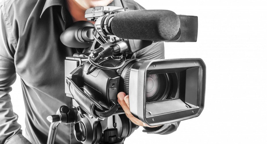 bigstock-Video-Operator-76938761-1073x582-930x504
